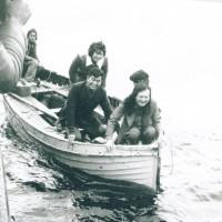 「ネッシー探検隊」ネス湖湖上にて